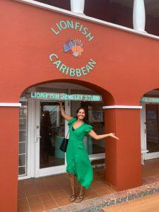 Shoppen op Curaçao verpleegkundige Nina
